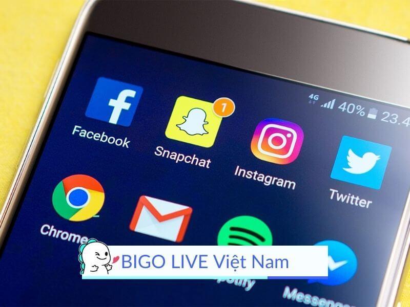 giải pháp phát trực tiếp thay thế và cũng là đối thủ cạnh tranh với Facebook Live